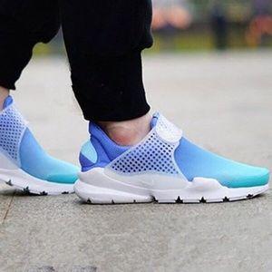 Nike 8 Womens Sock Dart Blue Gradient Slip On NEW